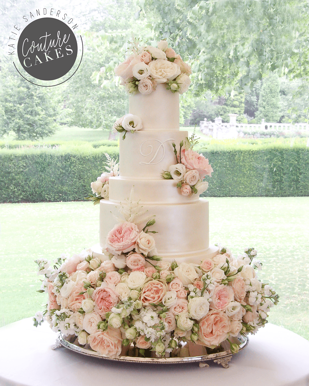 Wedding Cake Flowers.Tiered Wedding Cakes For Stamford Lincolnshire