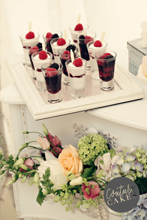 vintage-dessert-cake-display-4