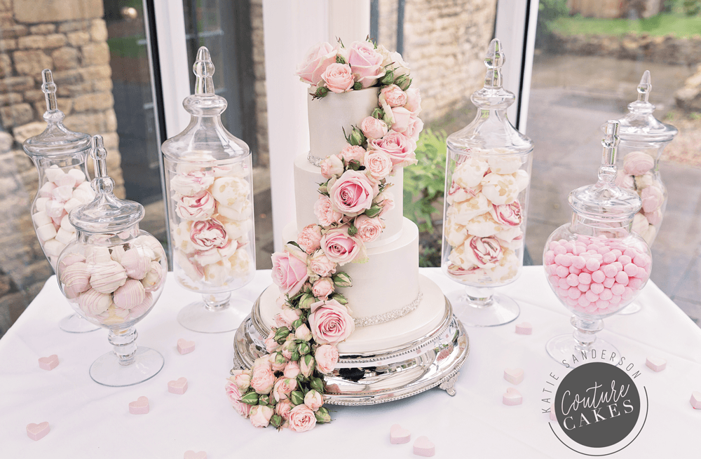 cascading-rose-dessert-table-main-couture-cakes