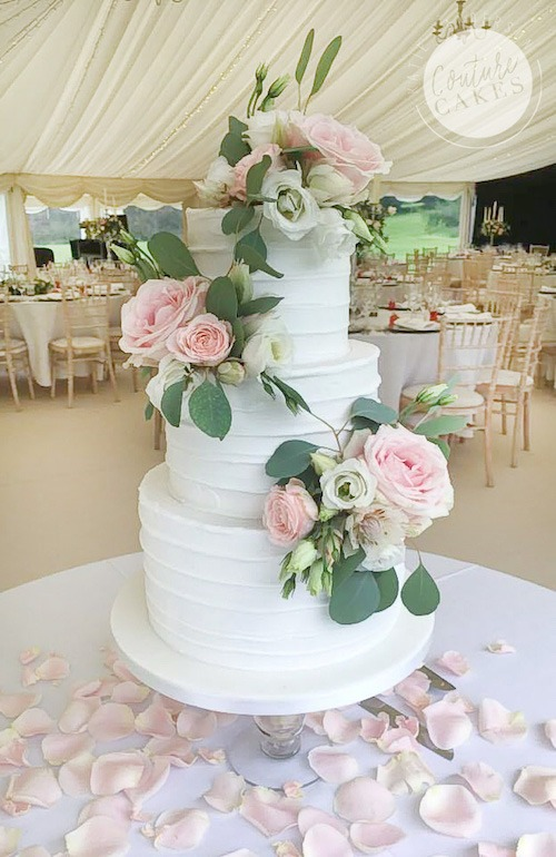 Rustic Iced Wedding Cake, Serves 100, Price category B £490