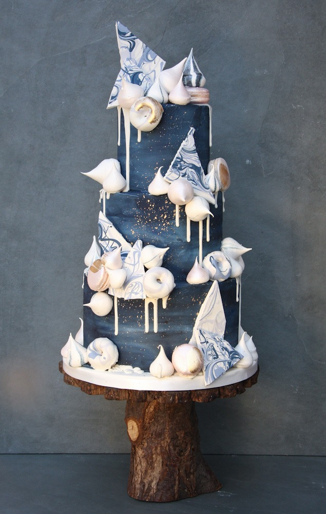 Midnight Kisses Wedding Cake: Serves 100 portions Price category C, £575